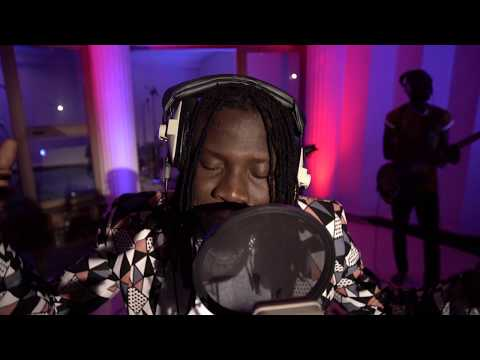 Stonebwoy - Sobolo (Live) (Feat. The Bhim Band) (VIDEO)